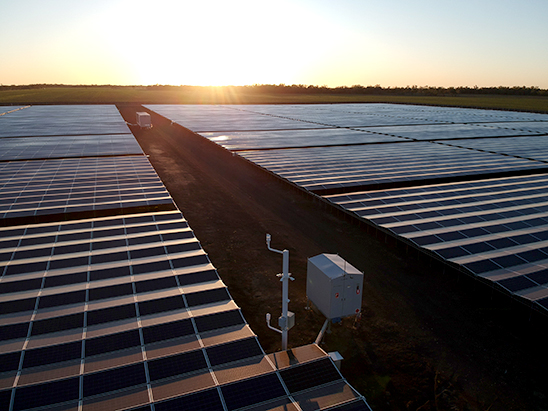 Kanowna Solar Farm in Northern NSW, Australia with a NOJA Power GMK (centre).